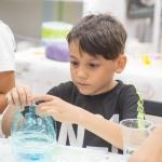 """""""Reciclăm în prezent, ne bucurăm în viitor"""" – un proiect SocialXChange dedicat mediului"""